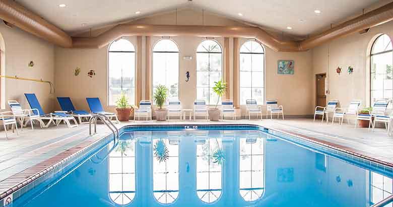 https://bourbonnaiscomfortinn.com/wp-content/uploads/2017/03/swimming-pool-comfort-inn-bourbonnais-illinois.jpg