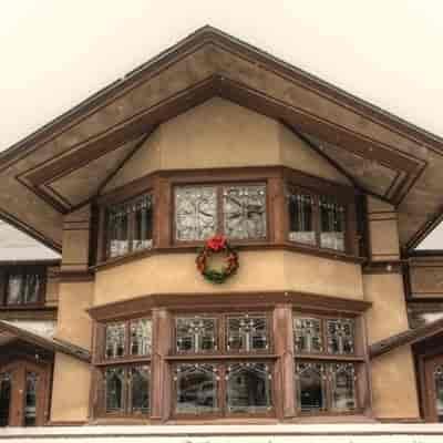 https://bourbonnaiscomfortinn.com/wp-content/uploads/2017/04/frank-lloyd-wright-b-harley-bradley-house-kankakee.jpg